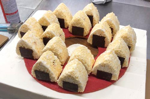 おにぎり ケーキ